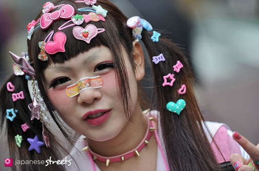 130331-5605 - Japanese street fashion in Harajuku, Tokyo