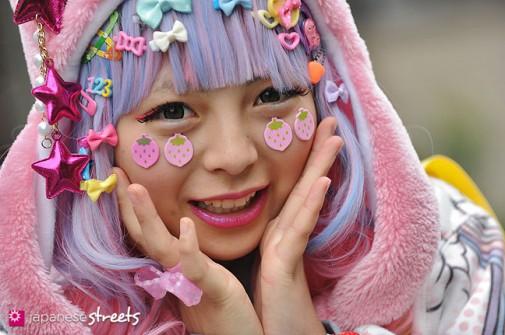 130331-5401 - Japanese street fashion in Harajuku, Tokyo