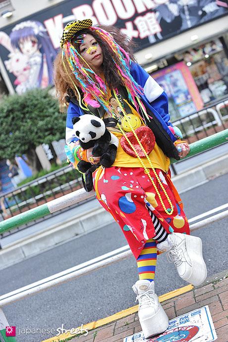 130403-7330 - Japanese Hadeko street fashion in Ikebukuro, Tokyo