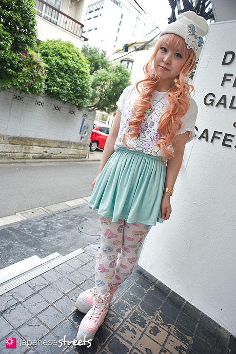 130510-9399 - Japanese street fashion in Harajuku, Tokyo
