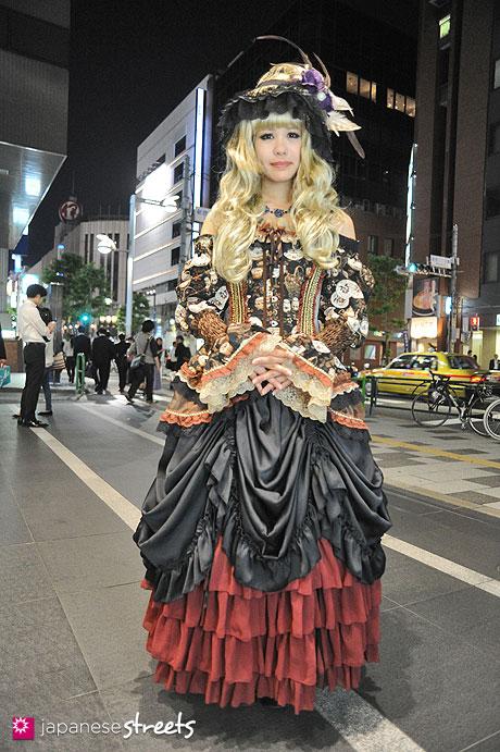 130524-1620 - Japanese street fashion in Shinjuku, Tokyo