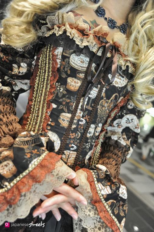 130524-1665 - Japanese street fashion in Shinjuku, Tokyo