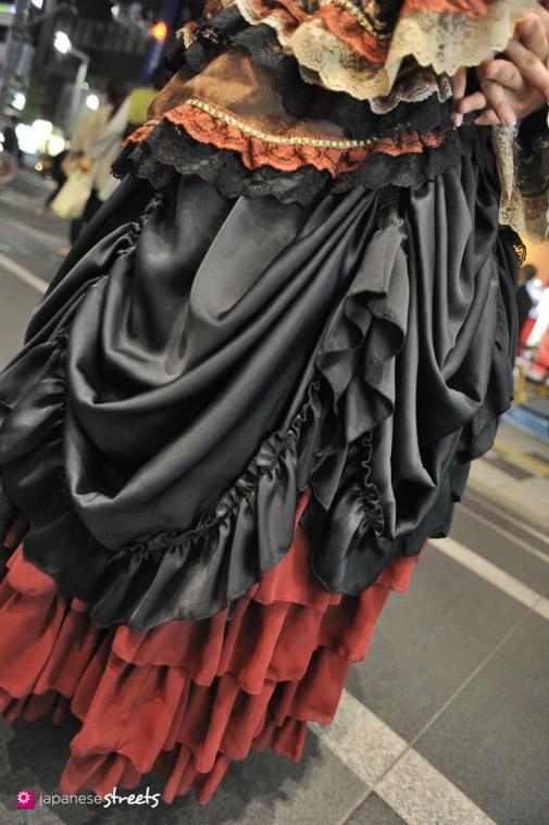 130524-1680 - Japanese street fashion in Shinjuku, Tokyo