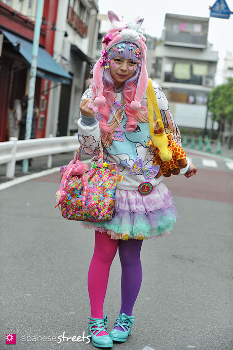 130331-5353 - Japanese street fashion in Harajuku, Tokyo